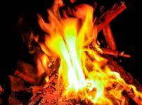 焚き火の音が流れるASMR